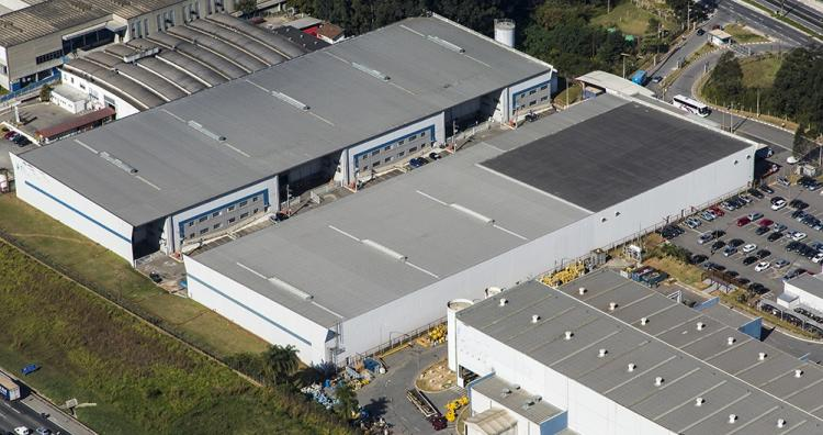 Locação galpão industrial CCRE Jandira São Paulo